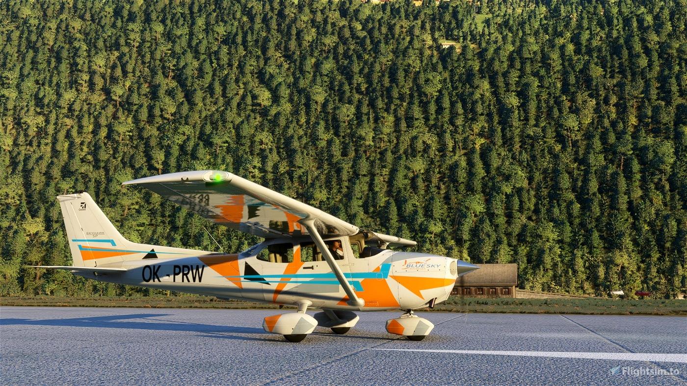 Cessna 172 G1000 OK-PRW Bluesky Aviation