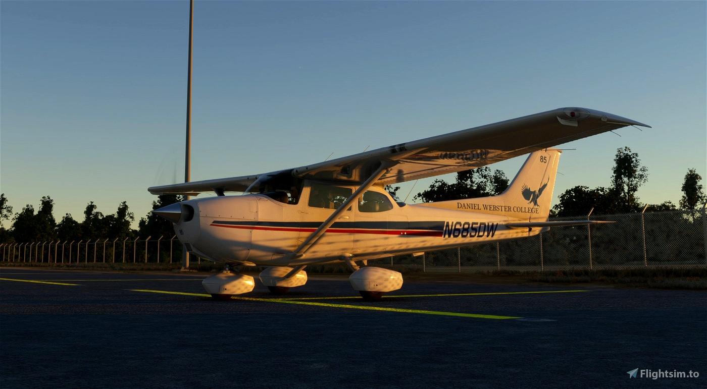 Daniel Webster College C172 Skyhawk Classic Liveries Flight Simulator 2020