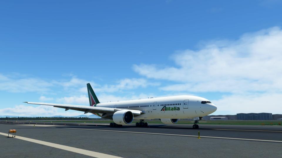 Boeing 777-200 Alitalia EI-WLA 'Roma'